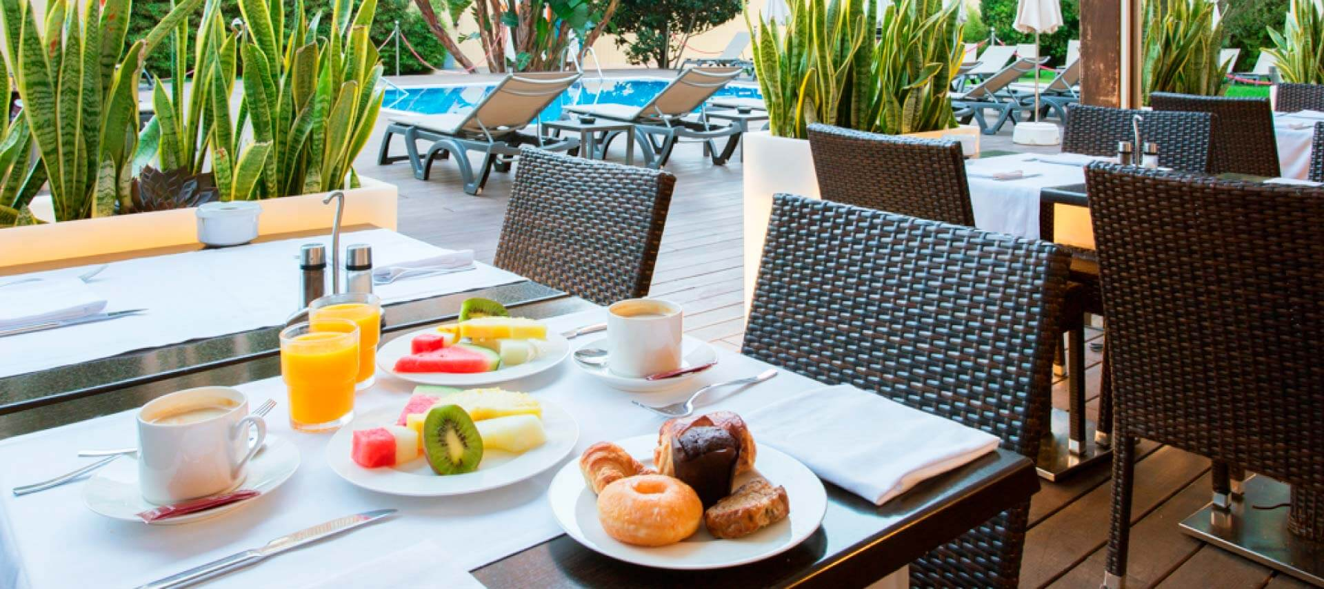 Restaurante en el ZT Hotel & Spa Villa Olímpica Suites